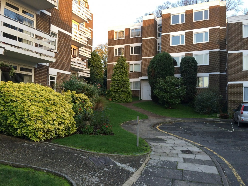 Images for Mountcombe Close, Surbiton EAID:b14af4f96b772baf94477b55c6aee9ec BID:1