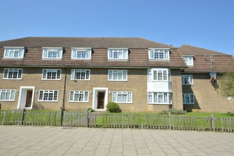North Parade, Chessington